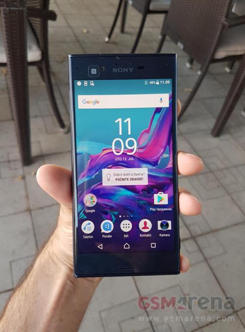 Điện thoại cao cấp Sony Xperia F8331 bị lộ ảnh