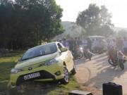 An ninh Xã hội - Tài xế taxi nằm chết giữa đường với nhiều vết đâm