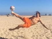 """Bóng đá - Nghỉ hè, Ibra vẫn không quên luyện """"tuyệt chiêu"""""""