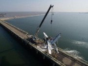 Thế giới - Thủy phi cơ TQ đâm vào cầu vỡ vụn, 5 người thiệt mạng