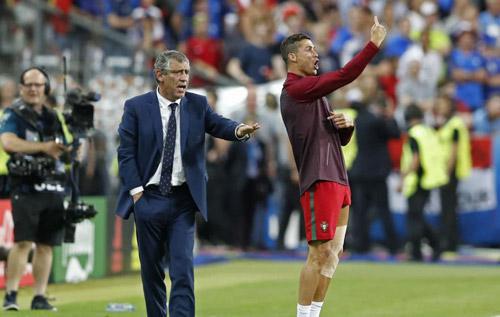 Thực hư chuyện Ronaldo ra lệnh cho đồng đội