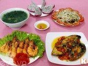Ẩm thực - Bữa cơm nhiều món hải sản ngon mát cho ngày hè