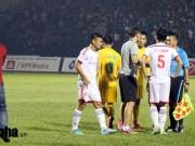 """Bóng đá - Sự cố trọng tài V-League: Đừng mời """"hàng ngoại"""" về """"chịu đòn"""""""