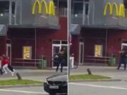 """Thế giới - Đức: Kẻ khủng bố """"bắn vào những đứa trẻ đang ngồi ăn"""""""