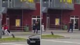 Video: Tay súng điên cuồng bắn người đi đường ở Đức