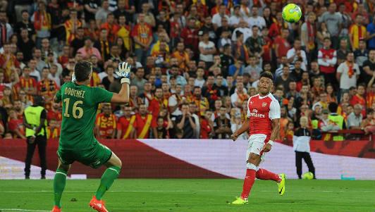"""Sanchez, Ozil bị chê chưa đủ """"trình"""" gánh vác Arsenal"""