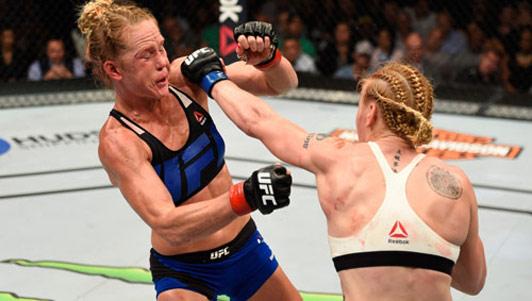 UFC: Đả nữ Muay Thái đàn áp cao thủ boxing