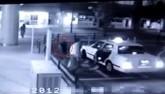 """Video: Rợn người """"ma"""" nữ đi theo tài xế vào trong ô tô"""