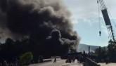 Clip: Xe chở xăng tông container, 2 xe bốc cháy dữ dội