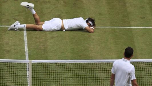 Federer nghỉ hết mùa: Bi kịch một huyền thoại