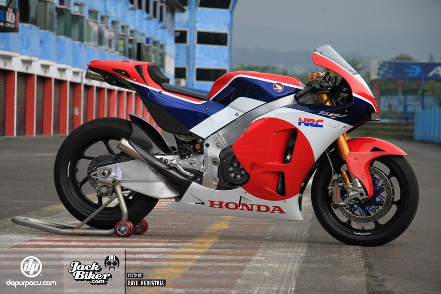 Honda RC213V-S: Đỉnh cao của xe đua đường phố