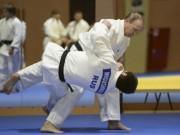 Thể thao - Nhiều VĐV Nga bị cấm dự Olympic: Thế chân kiềng chỉ còn cuộc đua song mã