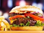 Sức khỏe đời sống - Cha ăn nhiều thức ăn nhanh, con gái dễ bị ung thư vú?