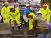 Video An ninh - Clip: Công an Hà Nội dầm mình trong mưa bão