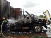 Tin tức trong ngày - Tài xế dũng cảm cứu 4 ô tô khỏi biển lửa