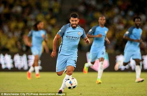"""Tin chuyển nhượng 30/7: Man City """"trói chặt"""" Aguero"""