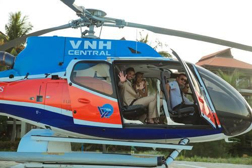 Siêu mẫu Hà Anh dùng trực thăng đến đám cưới - 11