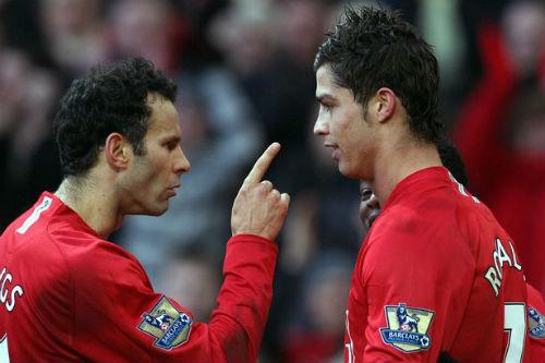 """Tiết lộ: Giggs suýt """"tẩn"""" Ronaldo khi còn ở MU"""