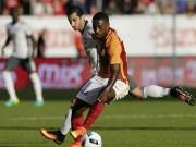 """Bóng đá - MU – Galatasaray: Ibra, siêu phẩm và """"mưa"""" bàn thắng"""