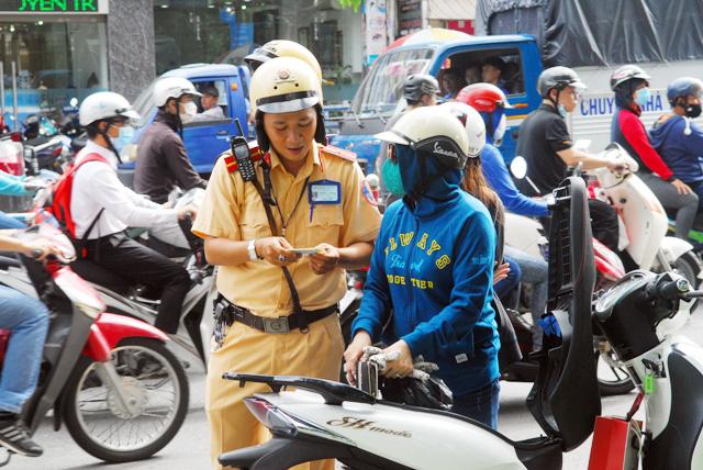 Phạt lỗi giao thông mức mới: Biết quy định nhưng lỡ vi phạm - 5