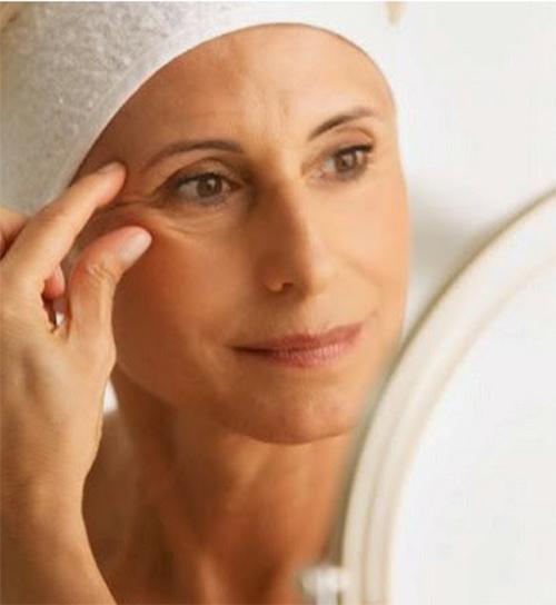 10 mẹo hay loại bỏ nếp nhăn quanh mắt - 1