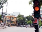 Tin tức trong ngày - Ủy ban ATGT Quốc gia lên tiếng về xử phạt đèn vàng