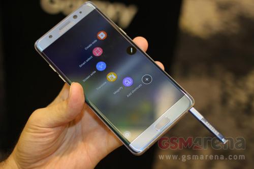 """""""Bom tấn"""" Samsung Galaxy Note 7 trình làng, tính năng hấp dẫn"""