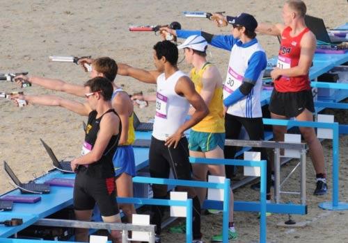 Môn khó nhất Olympic: Đấu kiếm xong bơi luôn