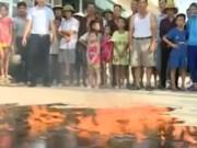 Tin tức trong ngày - Clip: Nước giếng tại Quảng Ninh bốc cháy nghi ngút