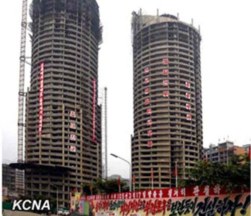 Triều Tiên xây tòa nhà 70 tầng chỉ trong 74 ngày - 1