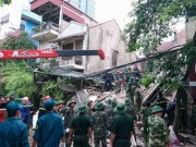 Tin tức trong ngày - Hà Nội: Sập nhà phố cổ, ít nhất 5 người mắc kẹt