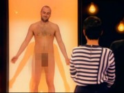 """Phim - Truyền hình Anh gây sốc với show """"trần như nhộng"""""""