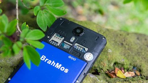 Brahmos 4G gây sốt với giá chỉ 1.950.000đ, tặng 5 nắp lưng đủ màu - 2