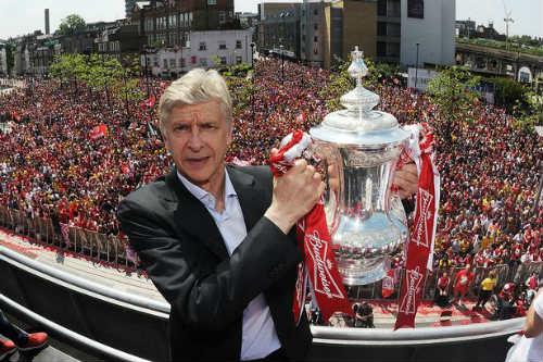 """Arsenal không mua """"bom tấn"""": Vẻ đẹp cổ kính của Wenger"""
