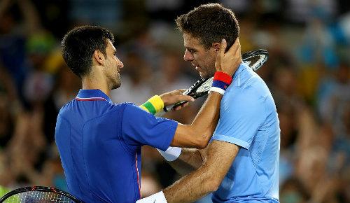 Djokovic thua sốc ở Olympic: Nước mắt huyền thoại
