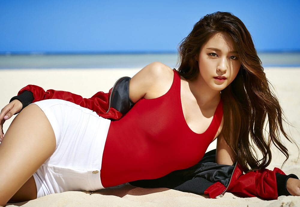 8 ngôi sao quyến rũ nhất showbiz Hàn 2016