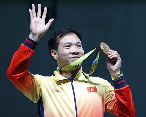 Hoàng Xuân Vinh giành HCB 50m súng ngắn Olympic: Tuyệt đỉnh