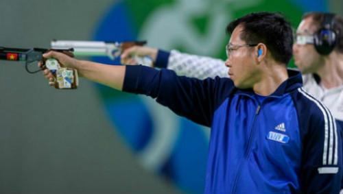 Báo chí thế giới: Hoàng Xuân Vinh làm ĐKVĐ hú vía
