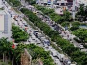Tin tức trong ngày - Đường vào Tân Sơn Nhất: Chịu thua kẹt xe!?