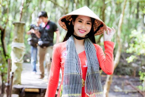 Thí sinh Hoa hậu Việt Nam đẹp hút hồn với áo bà ba - 3