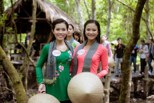 Thí sinh Hoa hậu Việt Nam đẹp hút hồn với áo bà ba - 14