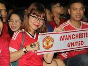 Bóng đá - Fan nữ rạng ngời mừng MU ra quân đại thắng