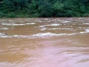 Tin tức trong ngày - 7 người chết, 4 người bị thương vì mưa lũ, sạt lở đất