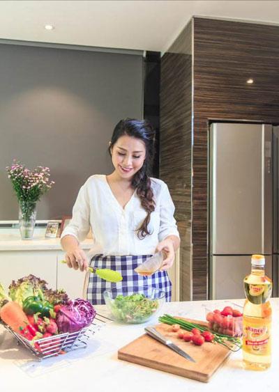 Những câu chuyện thú vị từ gian bếp của người nổi tiếng Việt - 2
