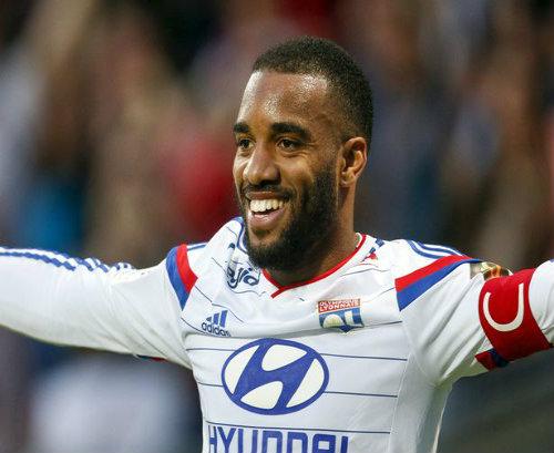 """NÓNG: """"Sát thủ"""" Lyon mời gọi Arsenal đổ """"tiền tấn"""" - 1"""