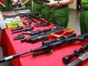 """An ninh Xã hội - Cận cảnh kho súng khủng của """"đại ca"""" nhóm giết người"""