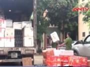 Thị trường - Tiêu dùng - Phục kích xe tải chở hơn 2 tấn hoa quả Trung Quốc