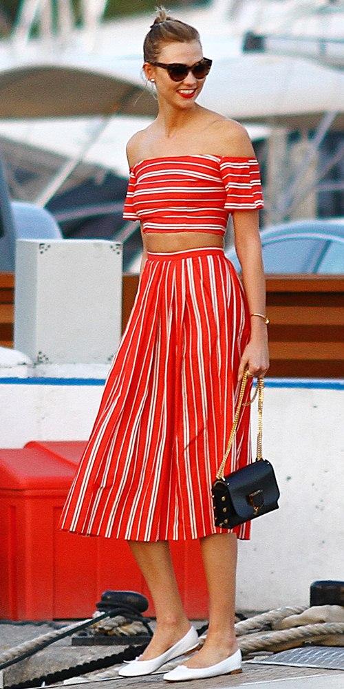 Nếu đã thích một chiếc váy kẻ, đừng chần chừ! - 8