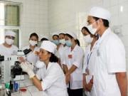 Sức khỏe đời sống - Bác sĩ bỏ địa phương, bỏ bệnh viện công dù phải bồi hoàn học phí