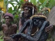Du lịch - Bộ tộc kỳ quái sống trong rừng với tục ướp xác người